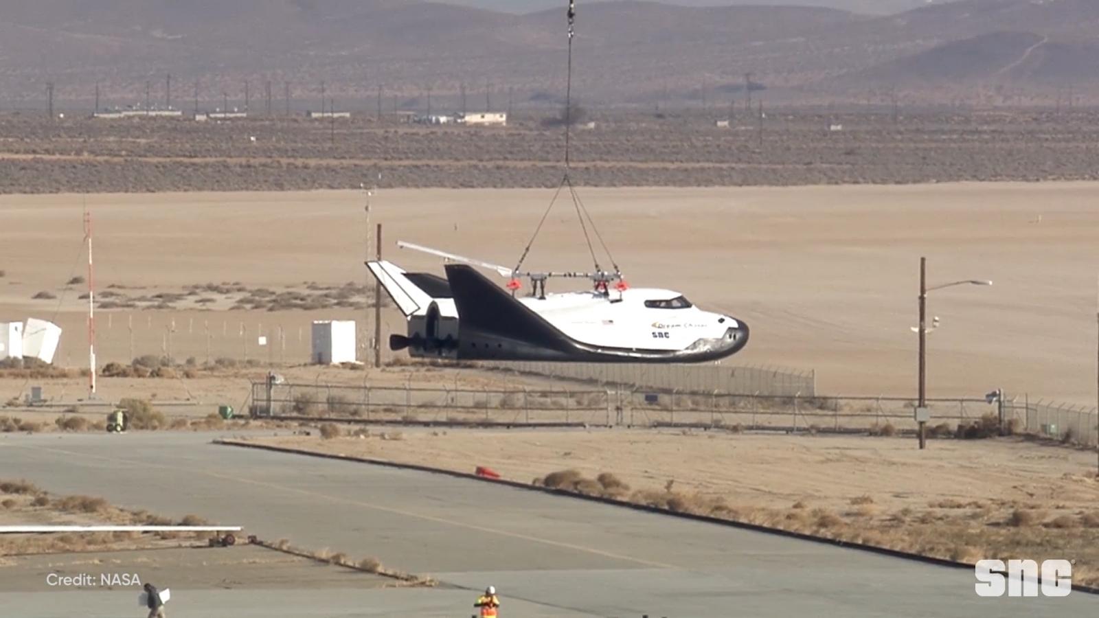 dream-chaser-spacecraft-has-first-successful-test-flight