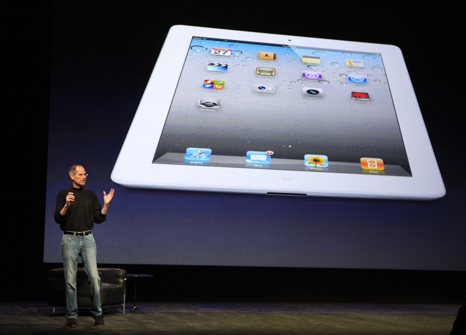 Steve Jobs with iPad 2