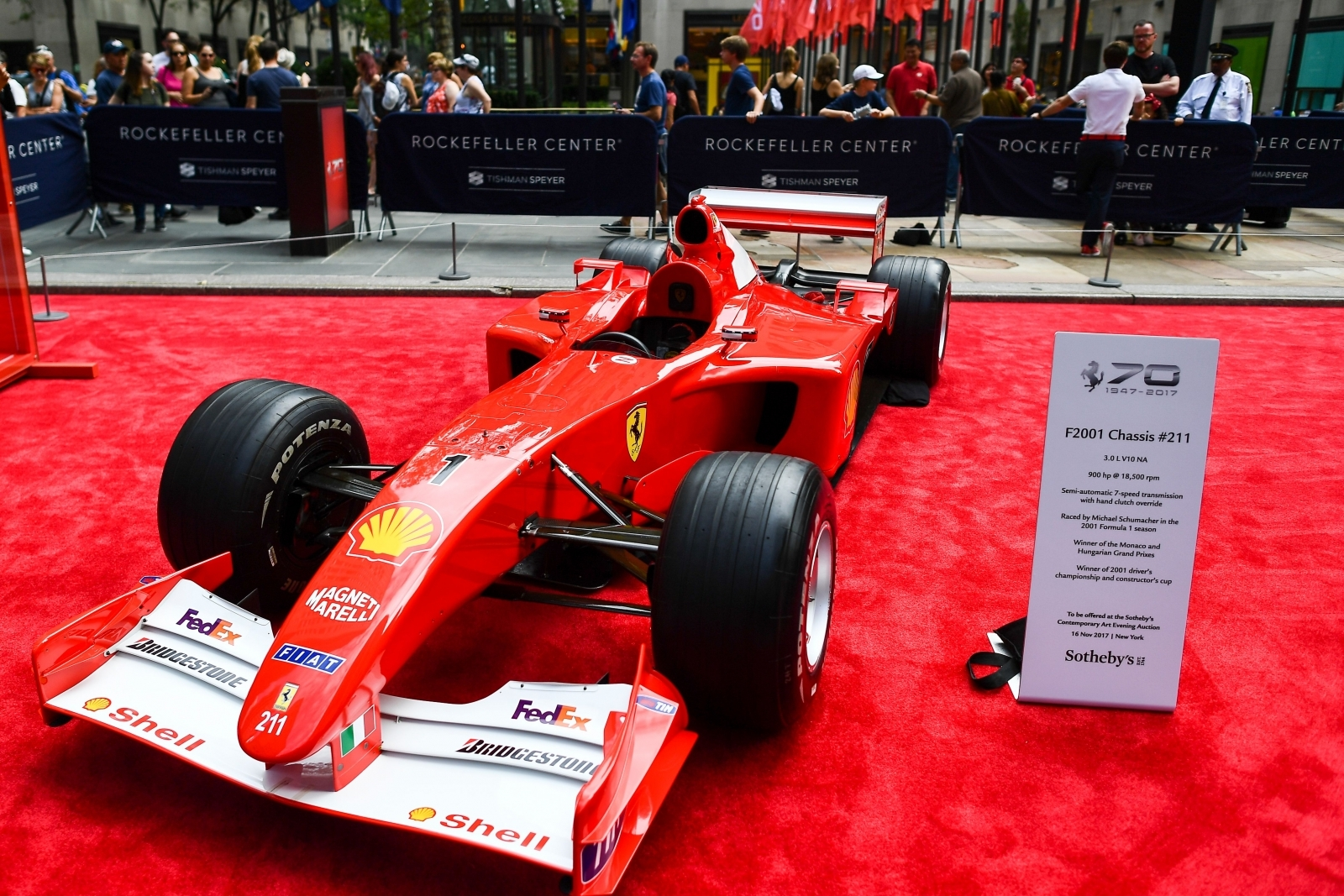 Schumacher's 2001 F1 auto  just sold for $7504000