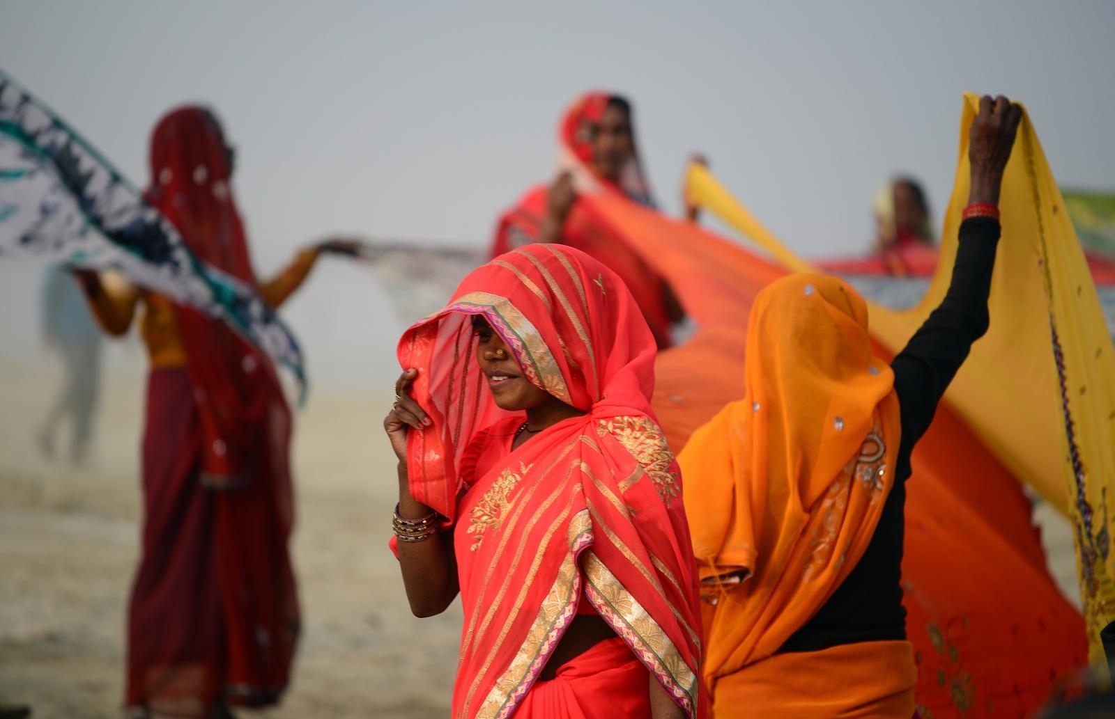 Indian sari women