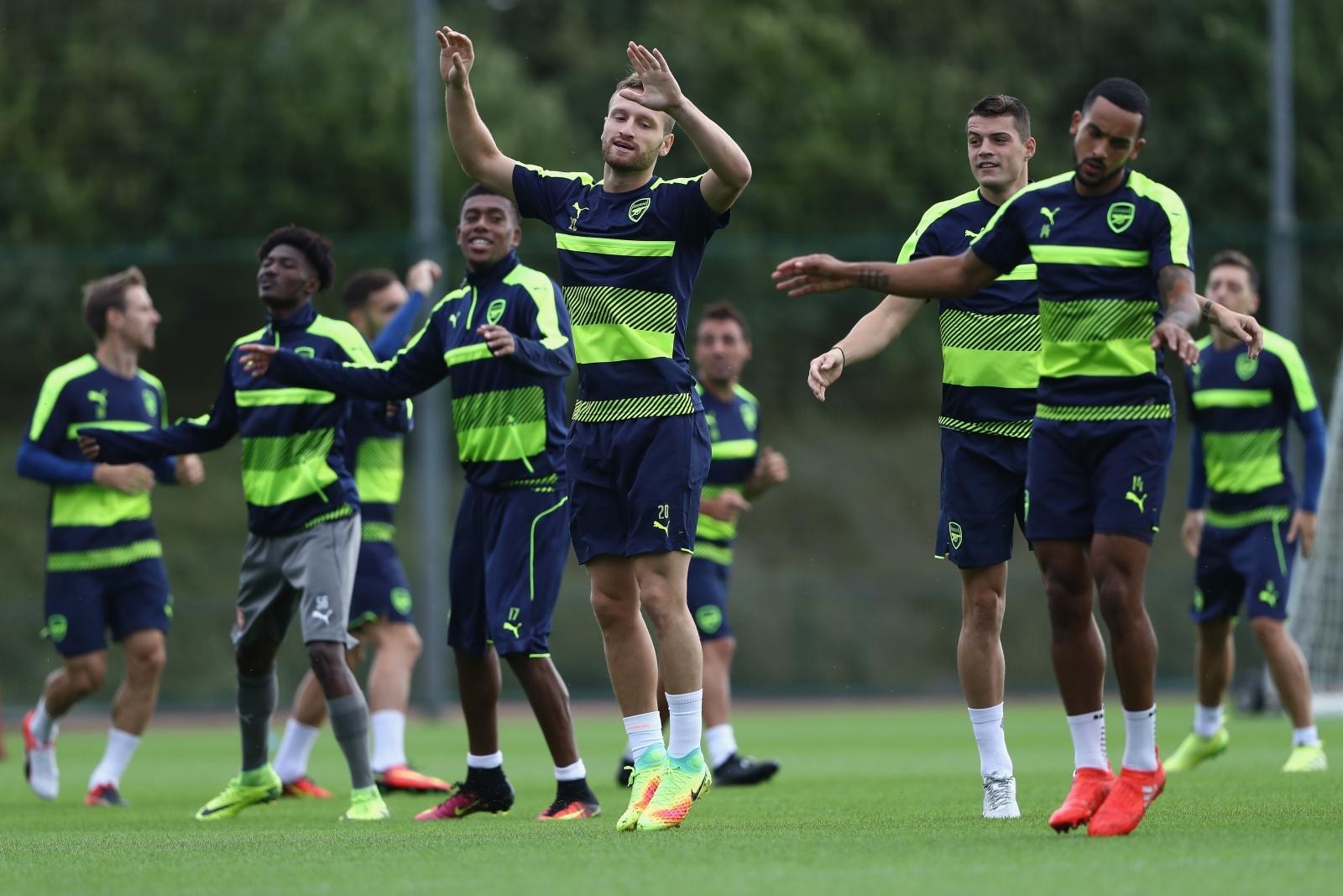 Arsene Wenger: 'I trust Alexandre Lacazette completely'