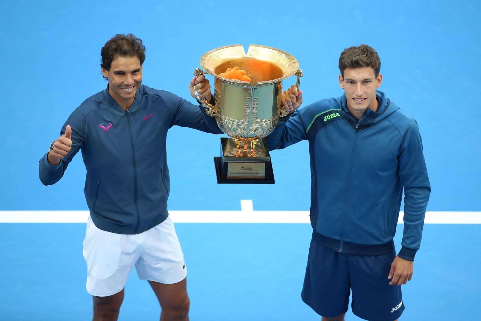 Murray and Federer raise over $900K