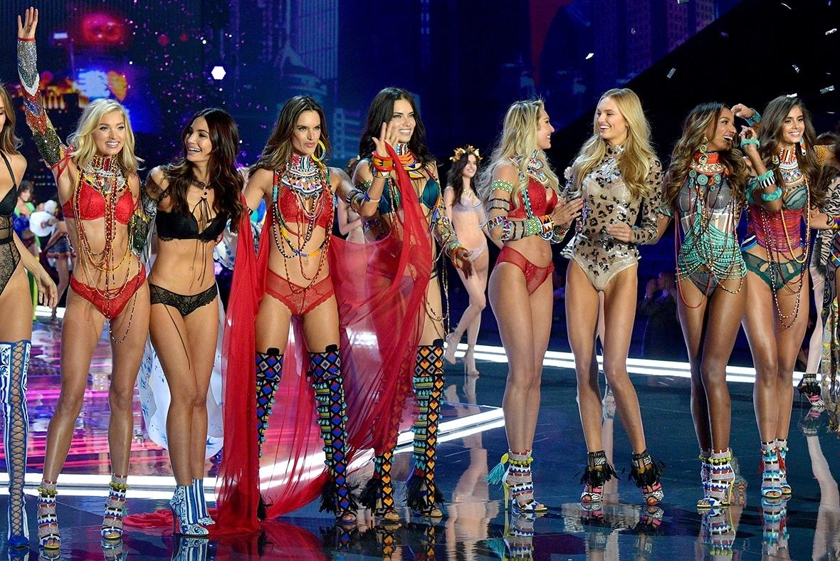 Victoria S Secret Fashion Show  Leslie Odom Jr