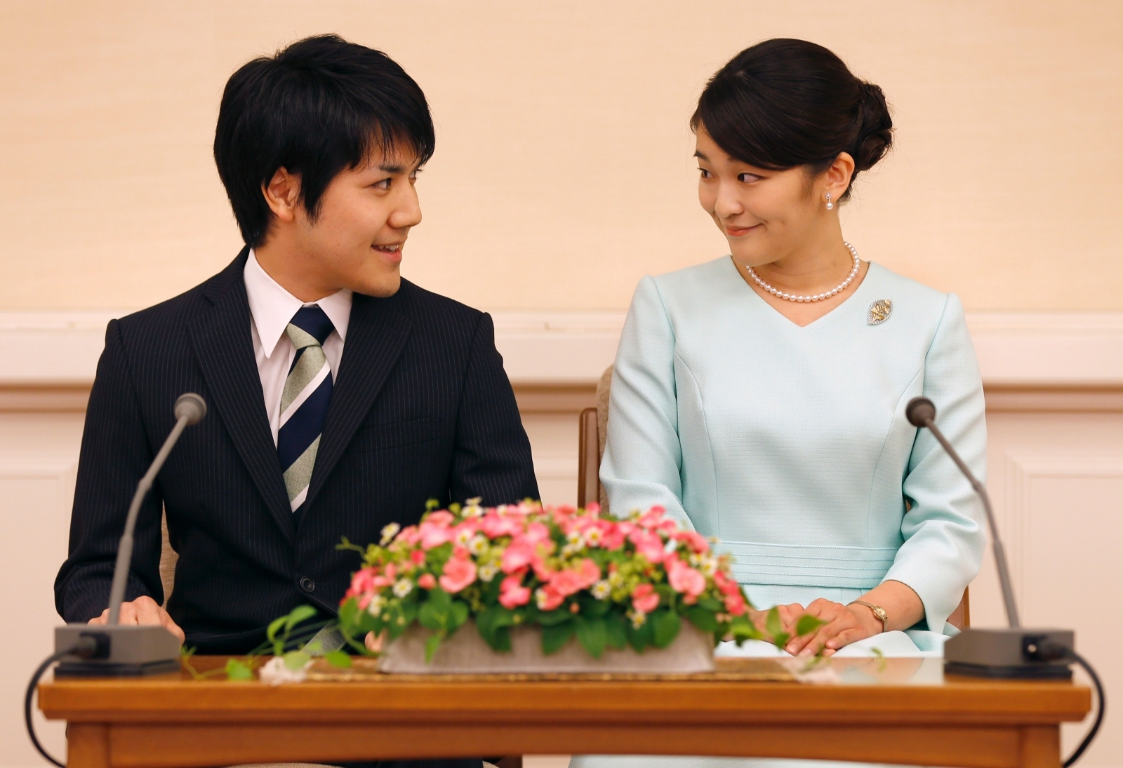 Why has Japan's Princess Mako made a decision to postpone her wedding to 2020?