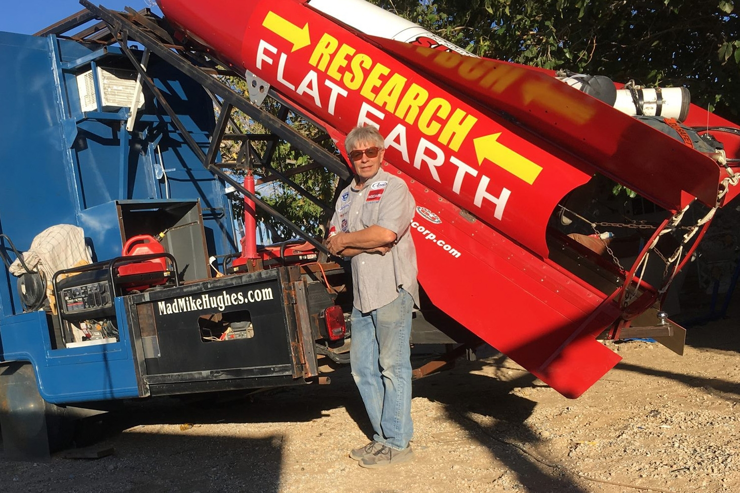 Mad Mike Hughes Flat Earth Rocket