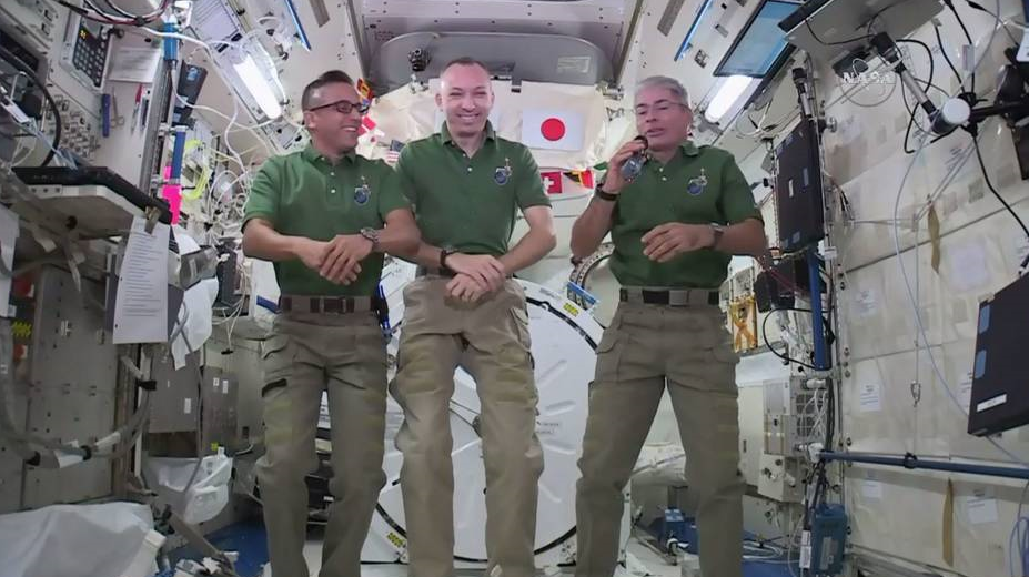 Lofty Thanksgiving: Astronauts will feast on pouches of turkey
