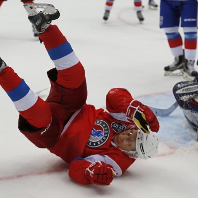 Vladimir Putin ice hockey