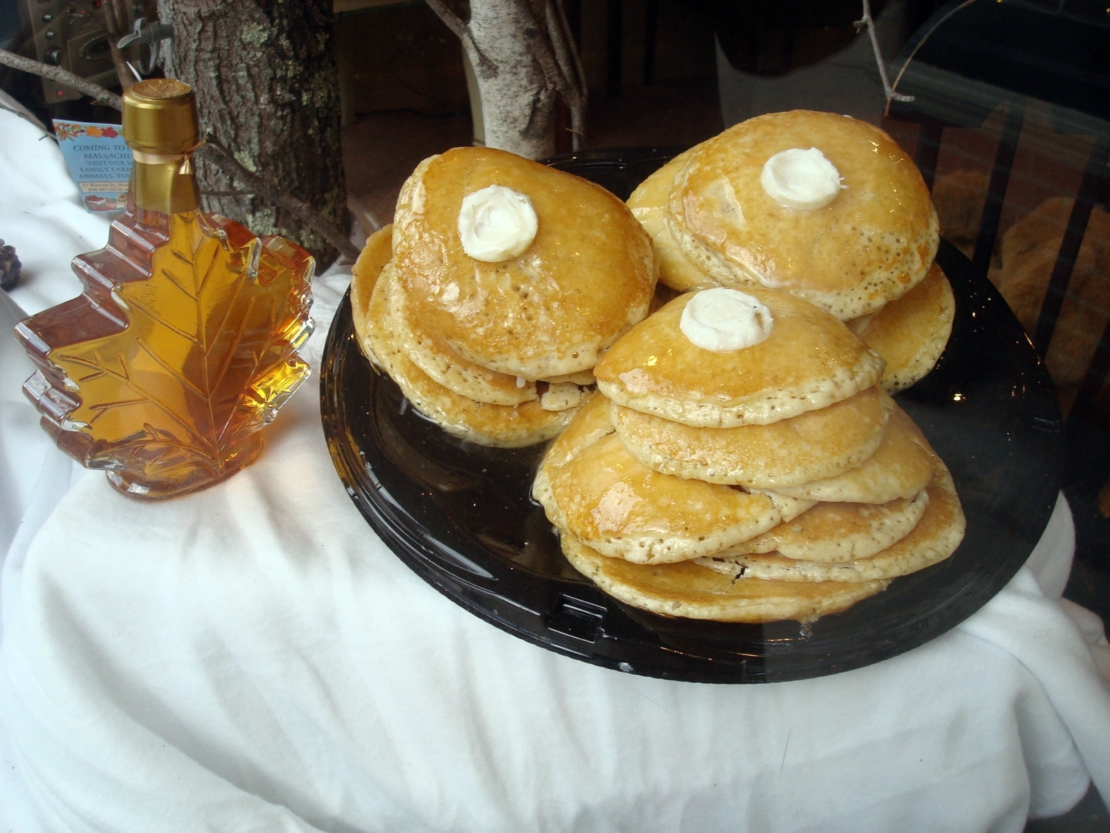 Maple syrup and pancakes