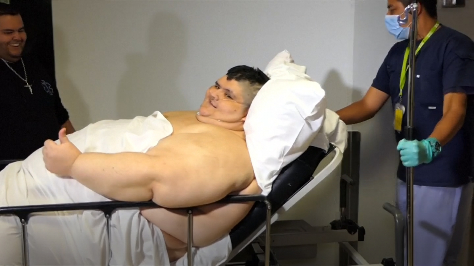 'Worlds fattest man' has surgery to halve his weight