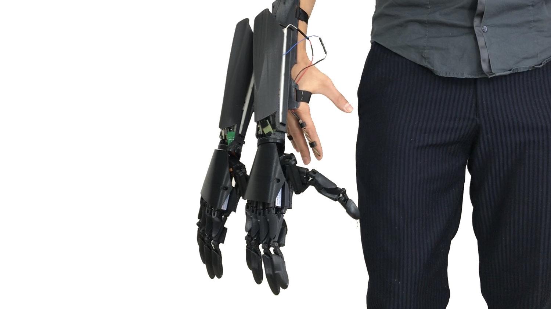 Youbionic double-handed glove