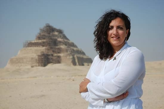Professor Monica Hanna, a prominent archaeologist who works closely with the Egyptian government, has accused a 95-year-old Perth woman, Joan Howard, of looting ancient treasures from the Middle East