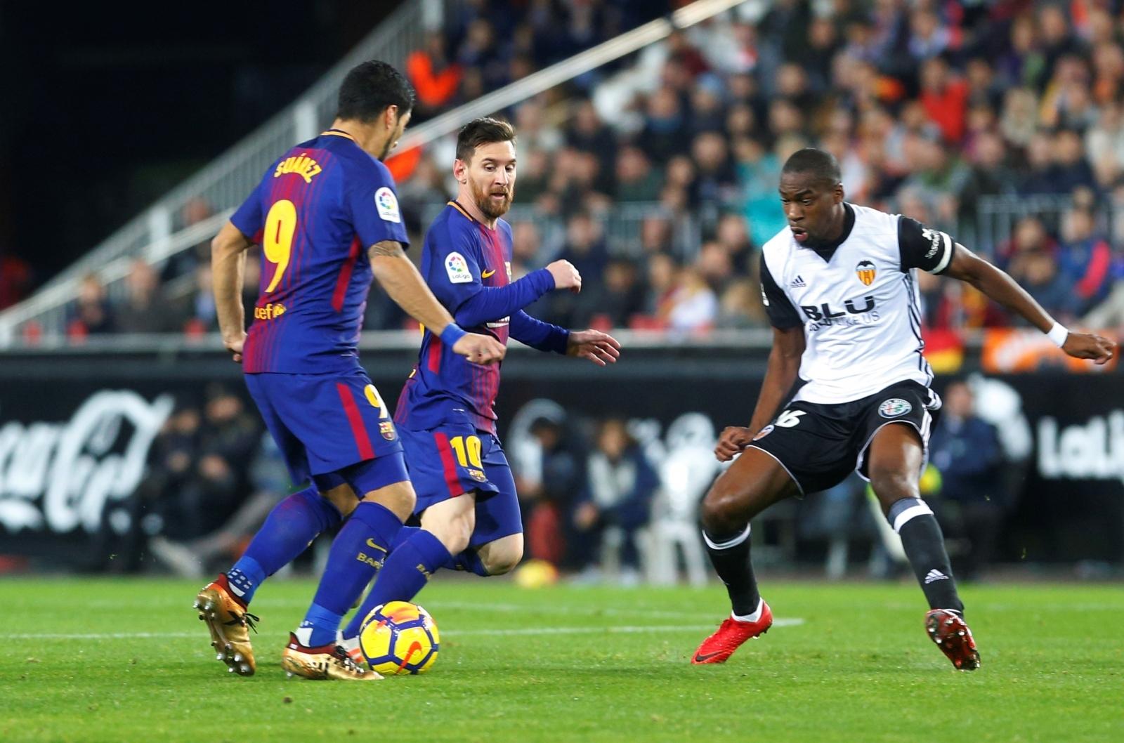 Valencia 0-0 Barcelona: La Liga - LIVE