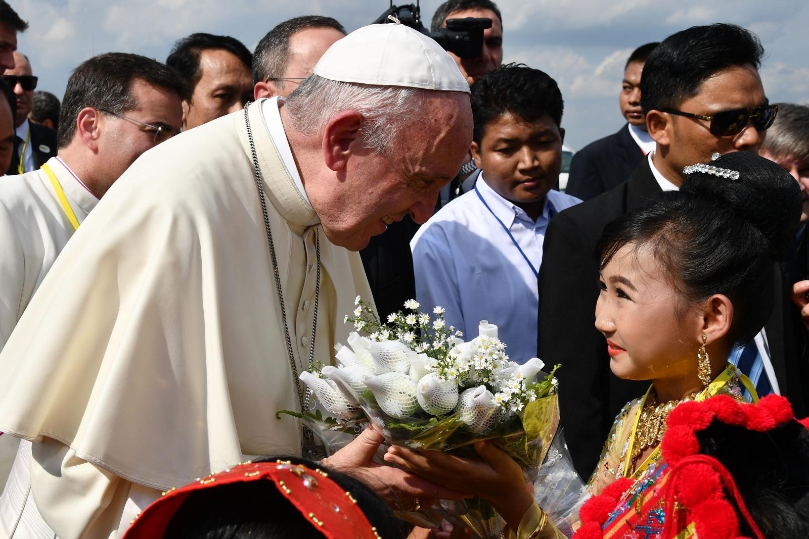 pope francis myanmar rohingya