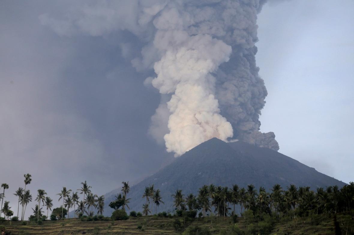 Mount Agung volcano eruption Bali Indonesia
