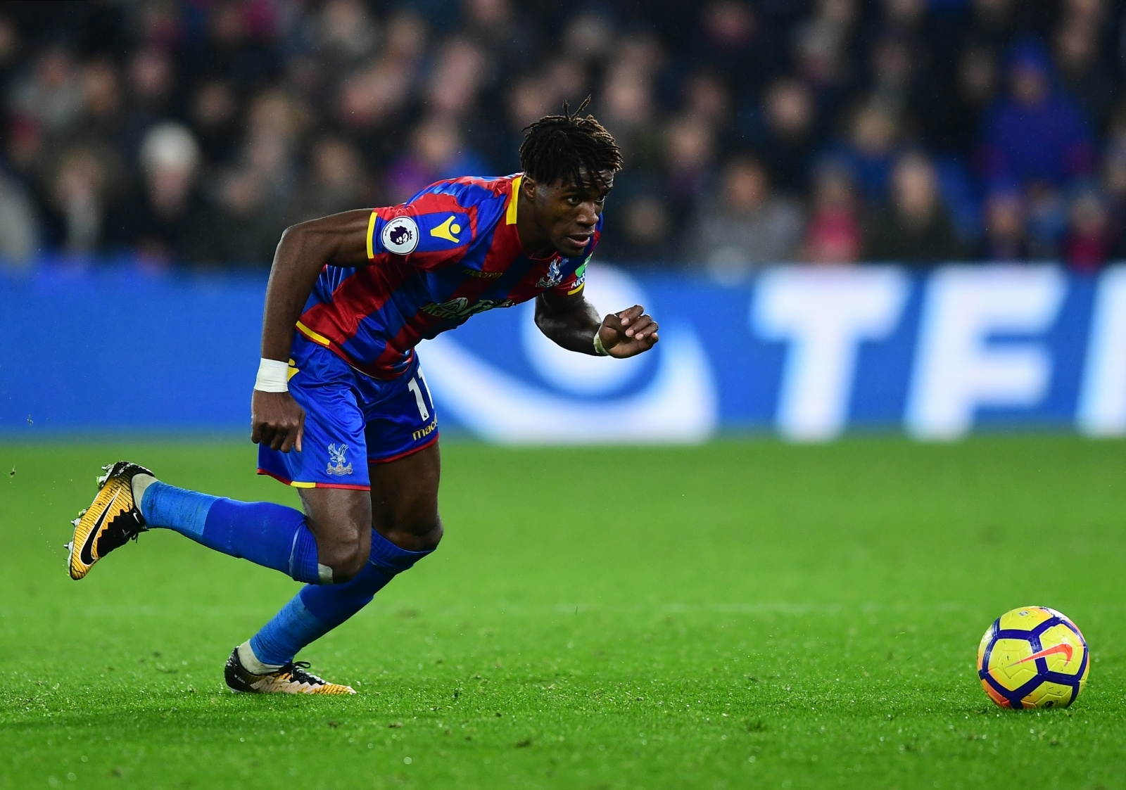 Hodgson says Palace hopes lie with Gunners misfiring