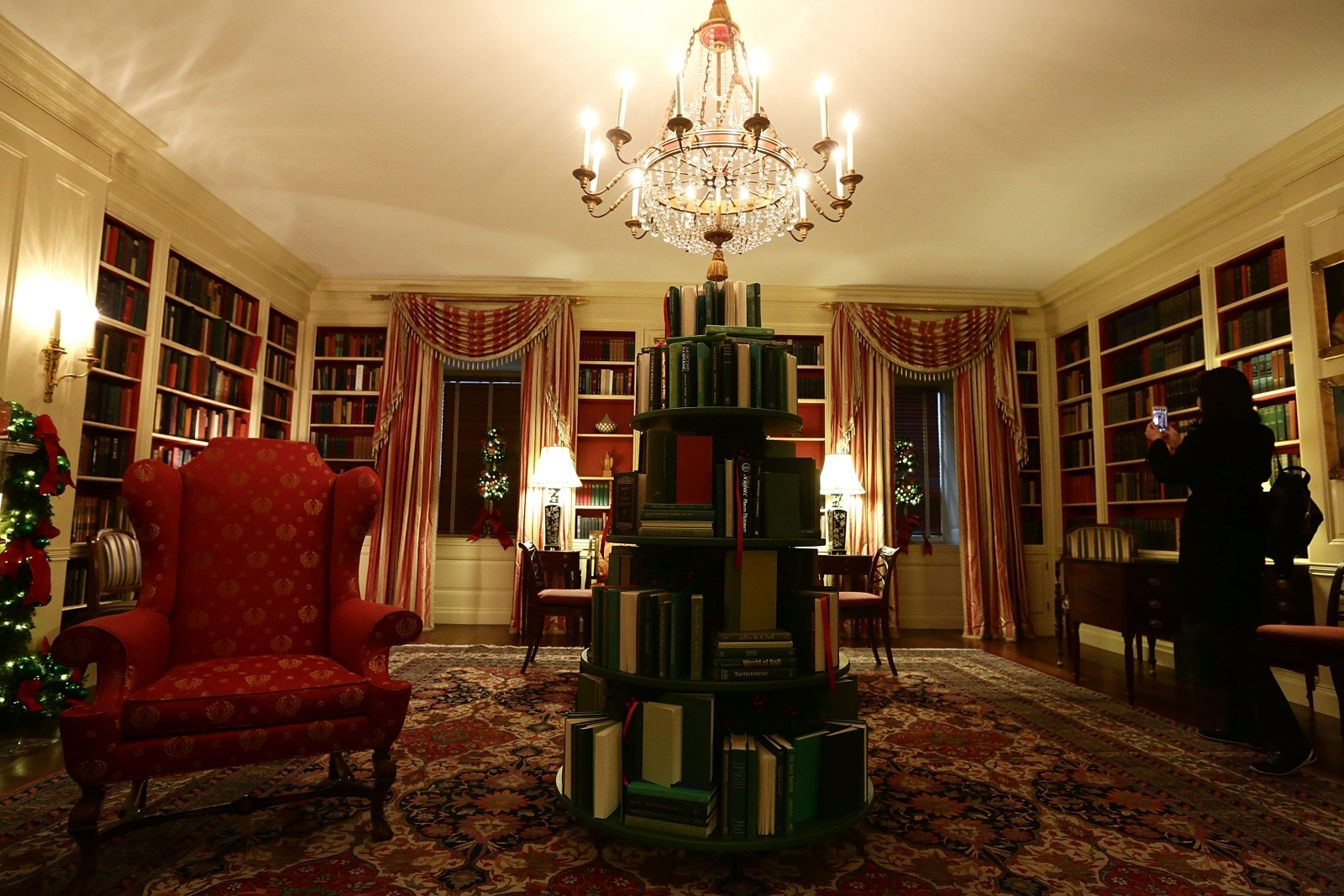 White House Christmas Decorations Include Books America