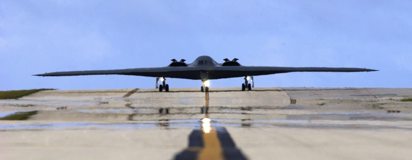 B-2 Spirit steal bomber