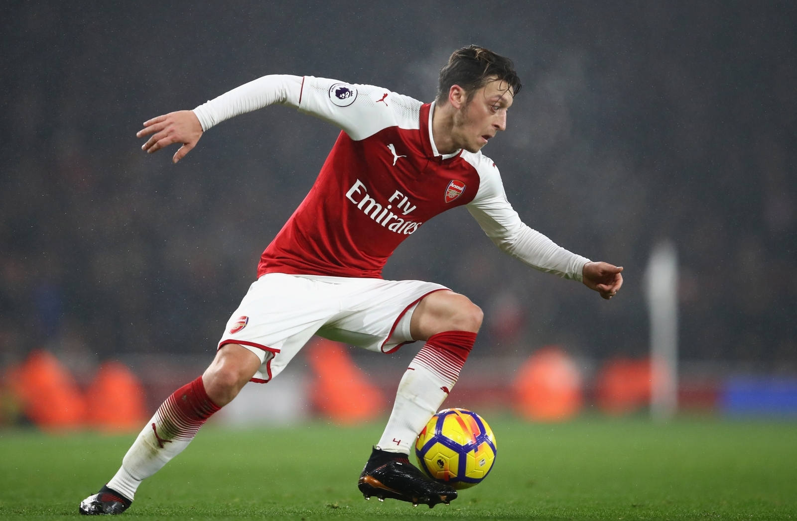 to playmaker Mesut United  urged Arsenal Manchester sign