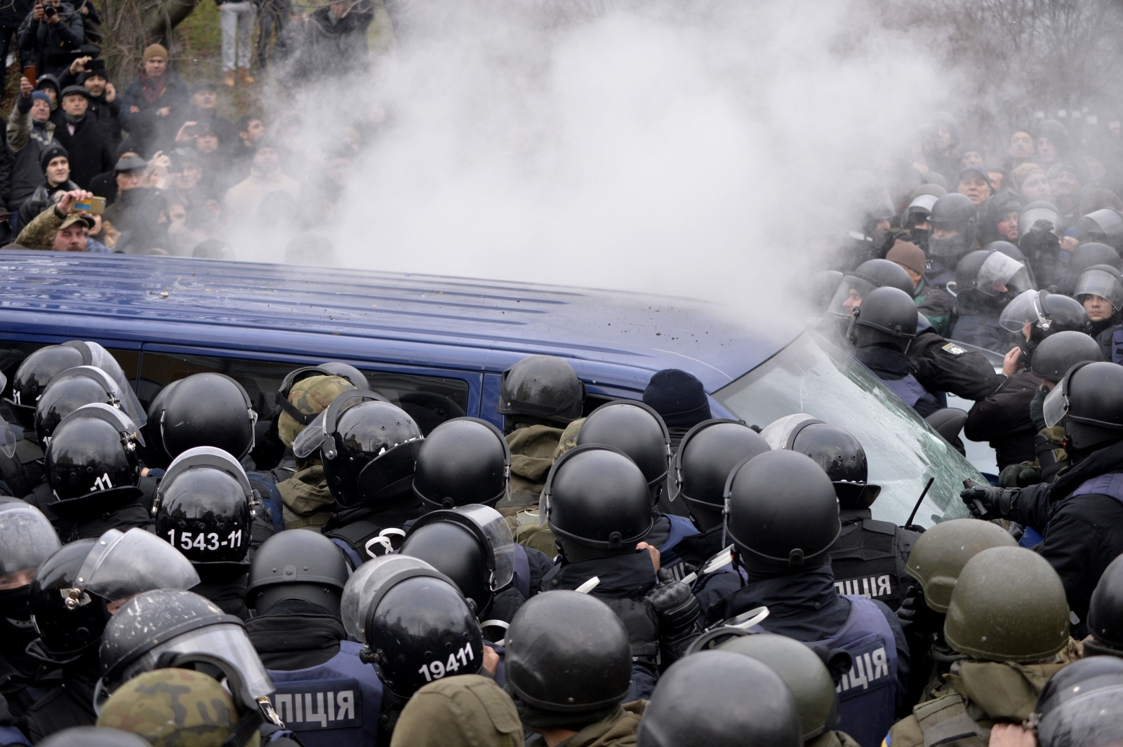farcical scenes and massive punch up in kiev as police try