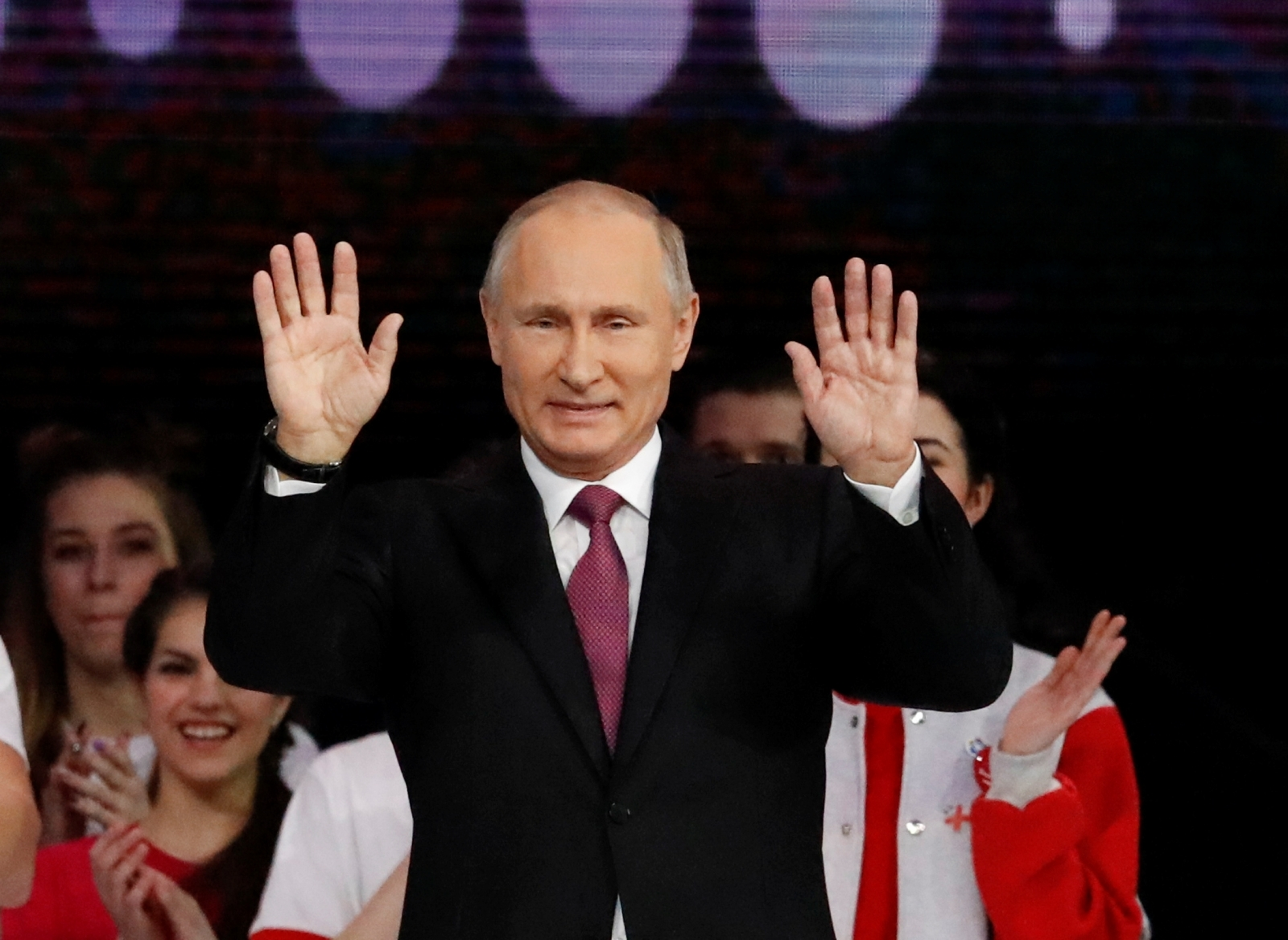 Vladimir Putin makes it official - he's running for re-election in 2018