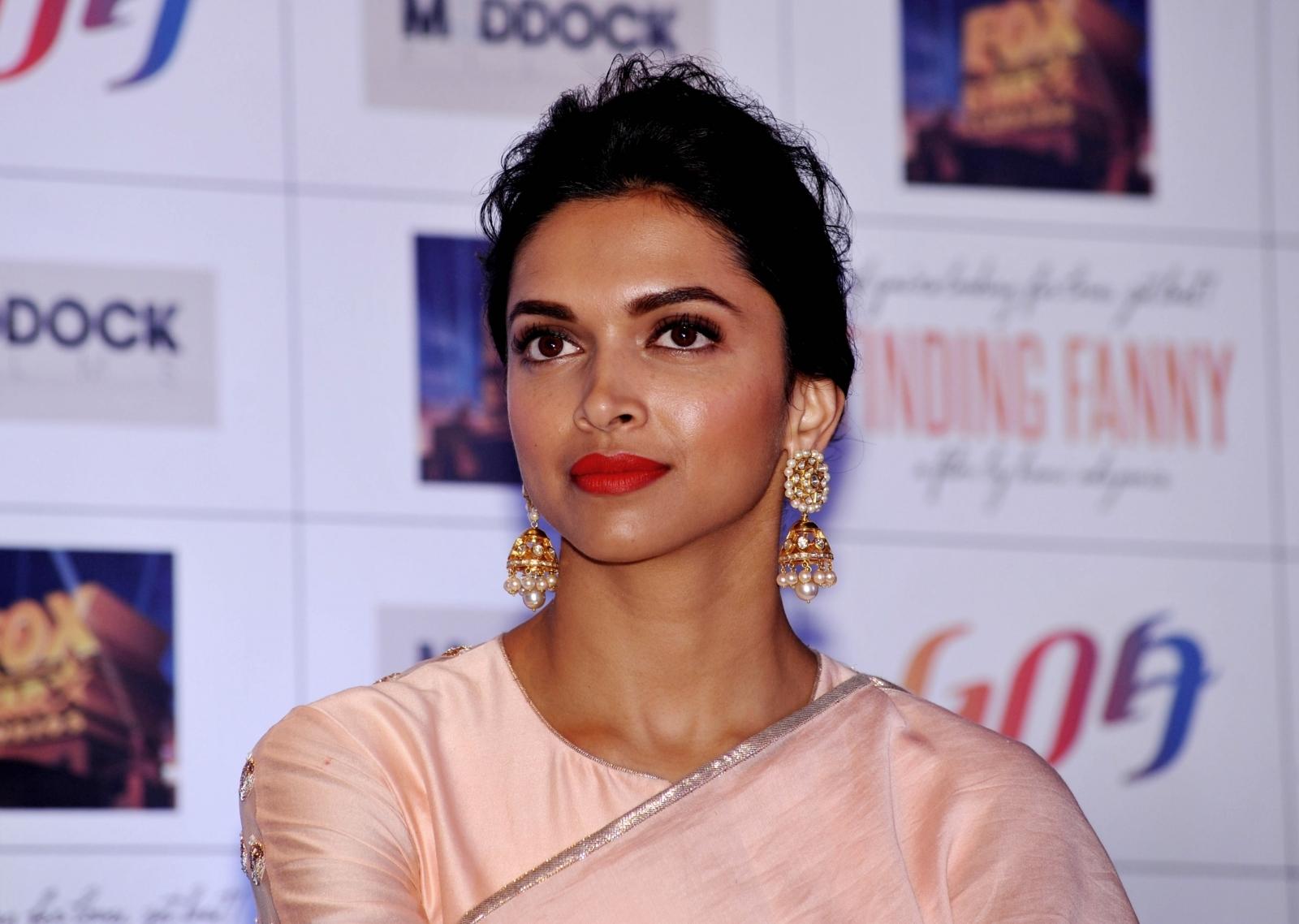 Did Deepika Padukone Act With Jyothika In A South Indian: Deepika Padukone's Padmavati Row: Indian Politician
