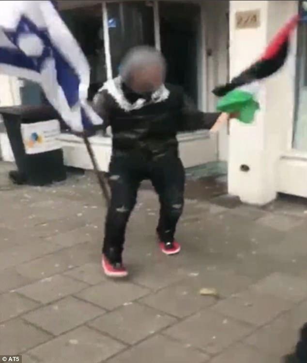Palestinian man Amsterdam restaurant