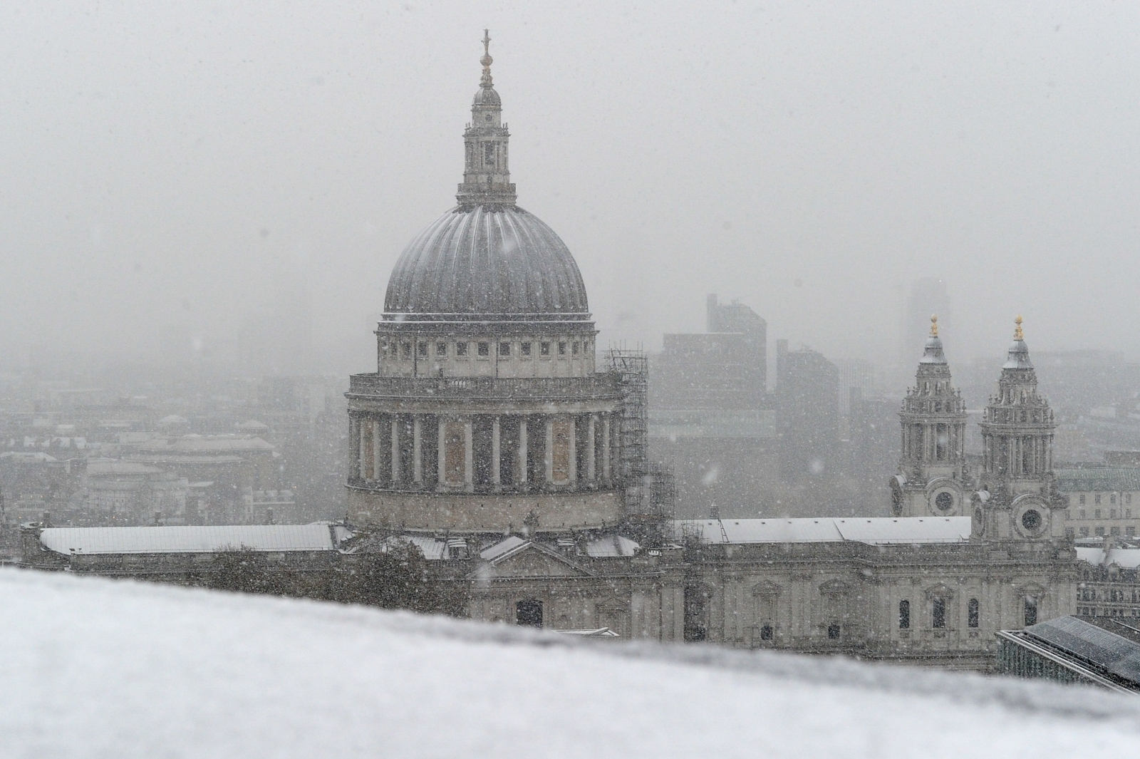 snow St Paul's