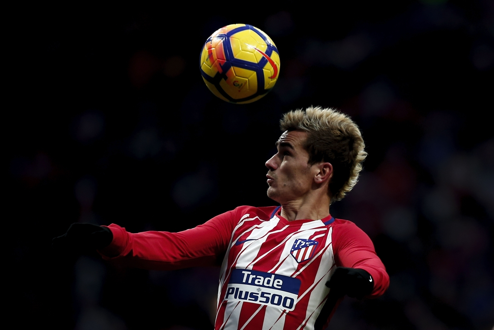 Antoine Griezmann eyeing move to Barcelona over Manchester United