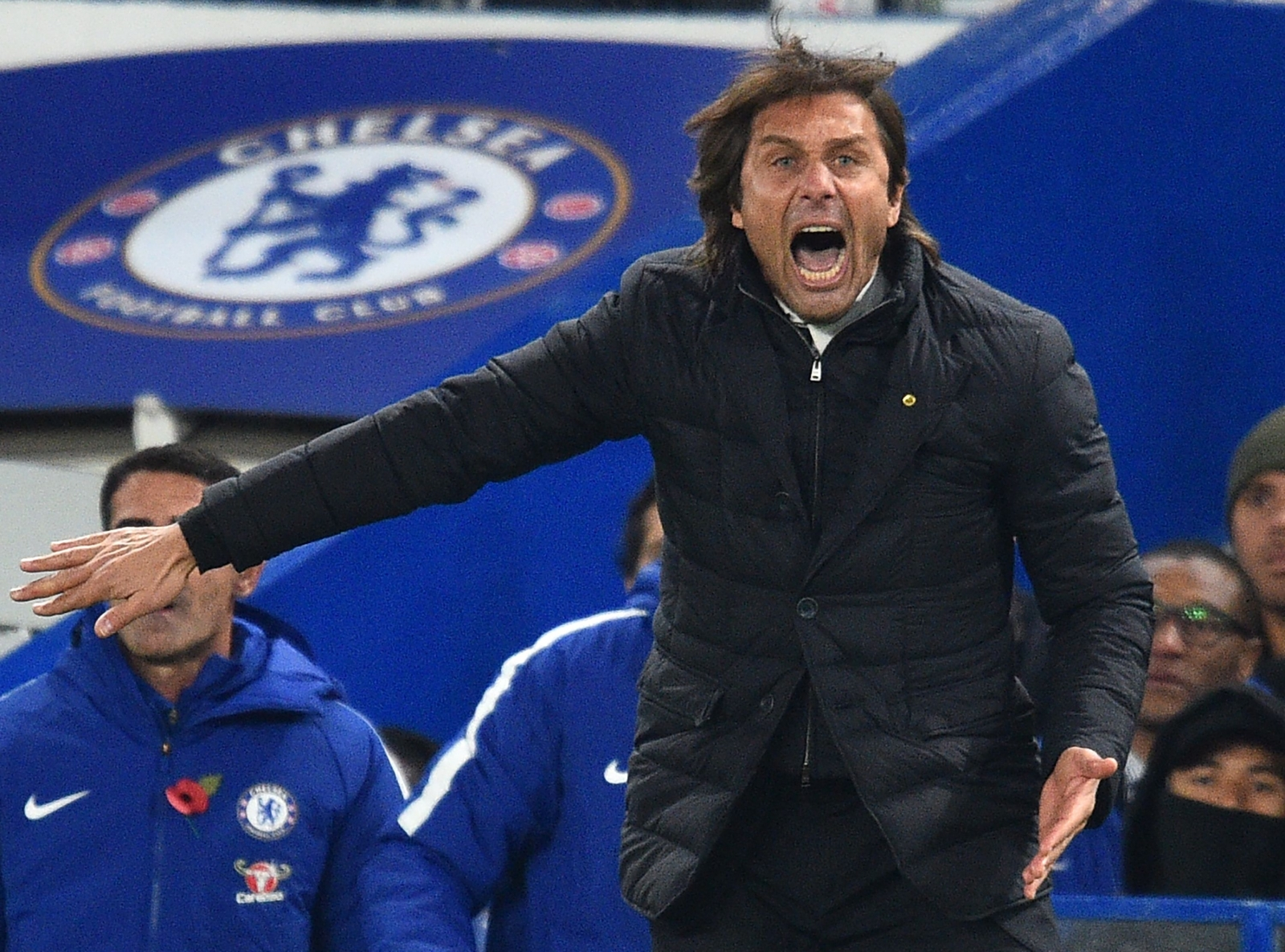 Chelsea boss Antonio Conte calls for end to 'b******t negativity'