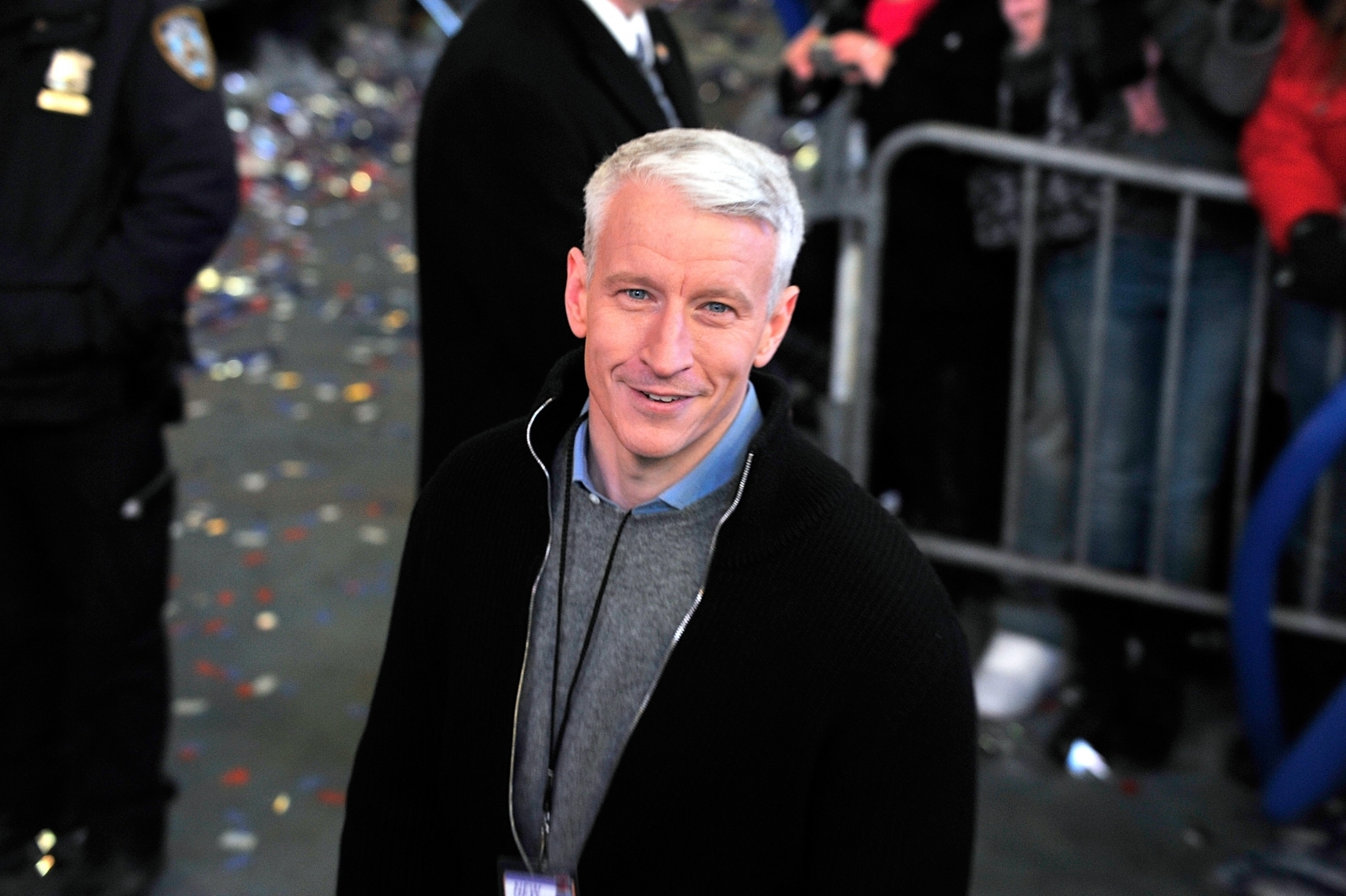 Anderson Cooper's Trump tweet result of someone stealing phone
