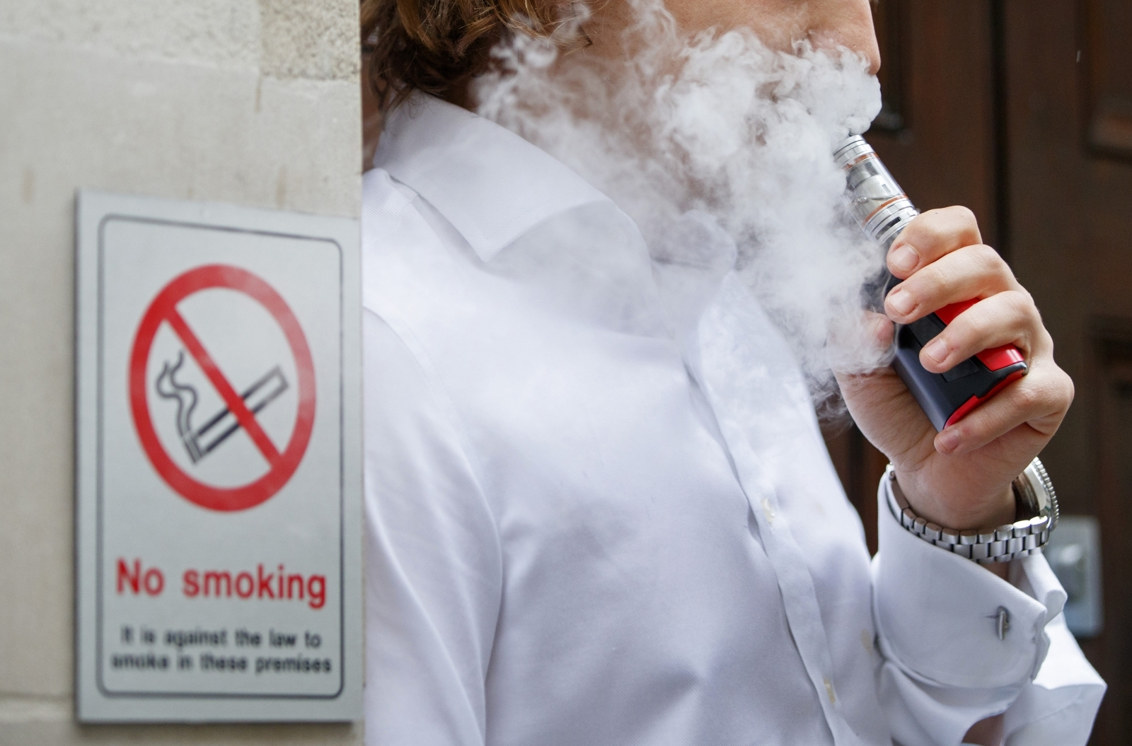 More US teens are vaping than smoking cigarettes, study finds