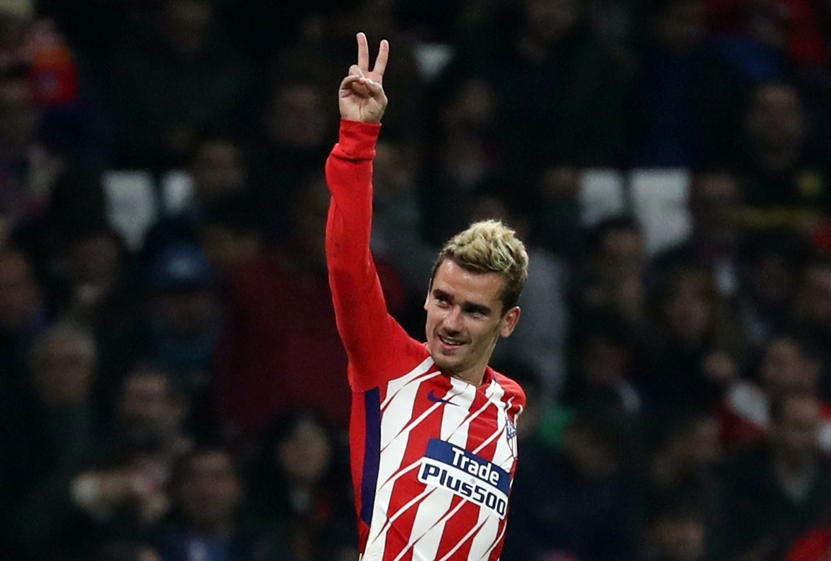Griezmann apologises for painting himself black