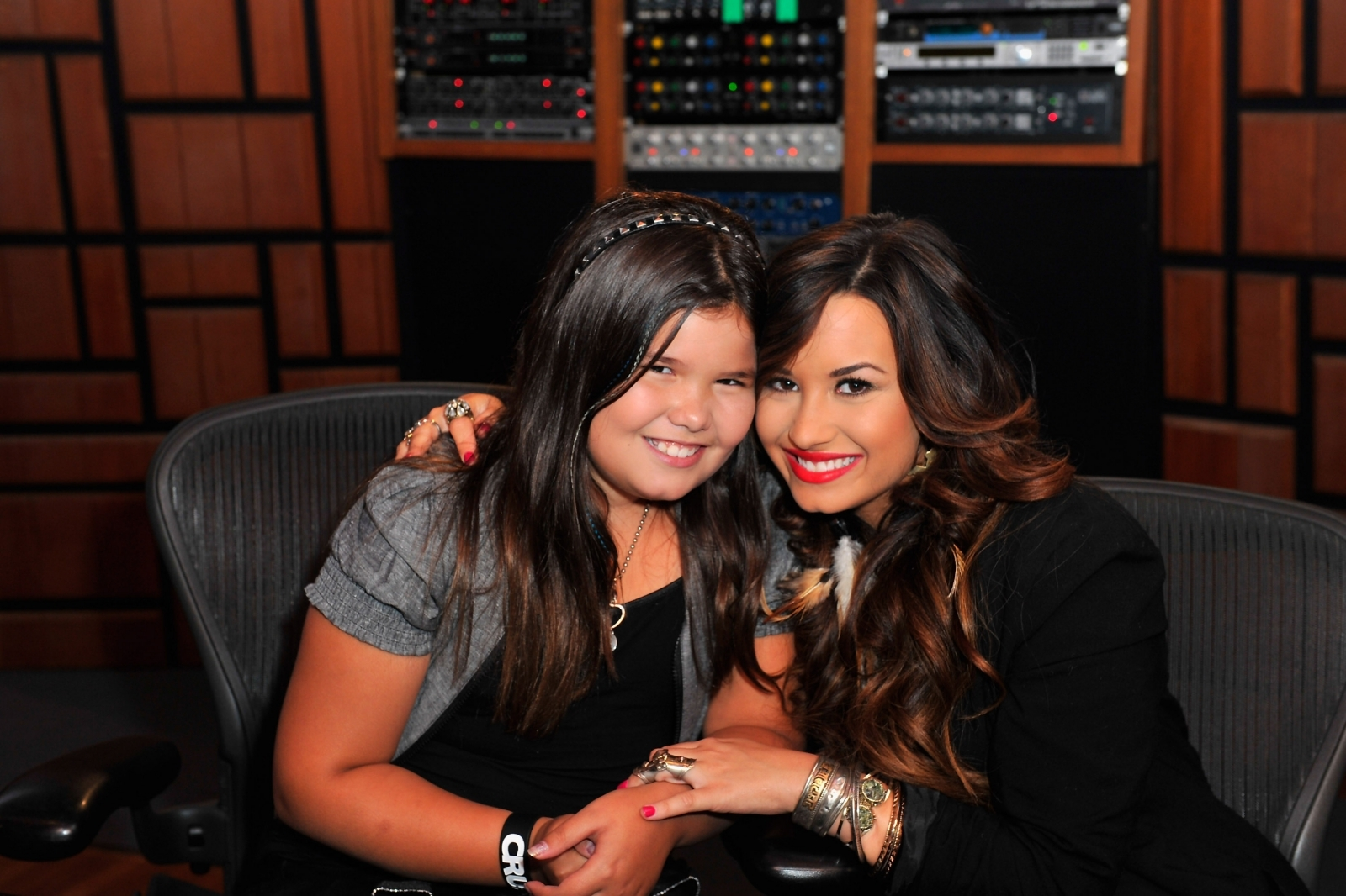 Demi Lovato's Sister Turns 16 & She's Unrecognizable From 'Desperate Housewives' Days