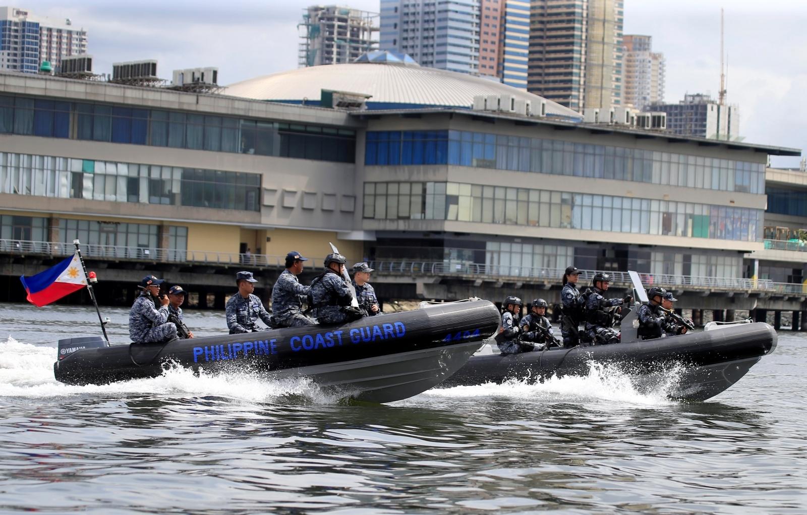 Philippines boat capsizes
