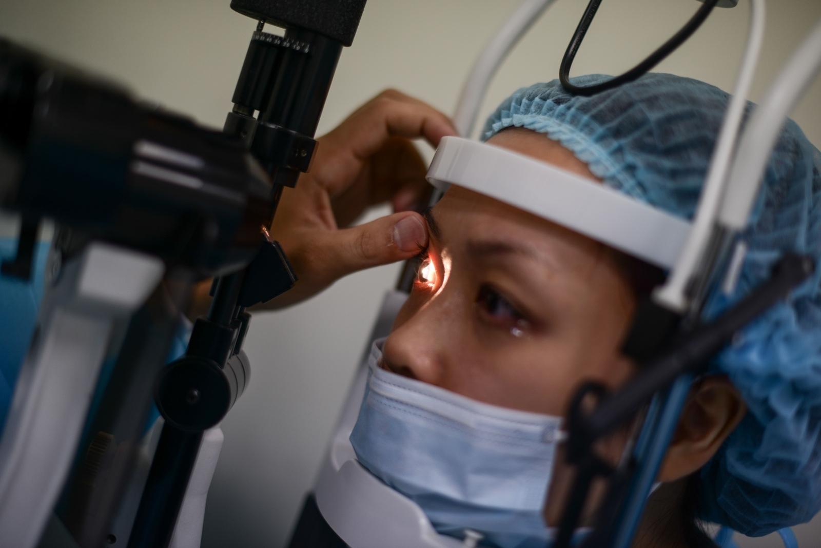 Bionic eye surgery