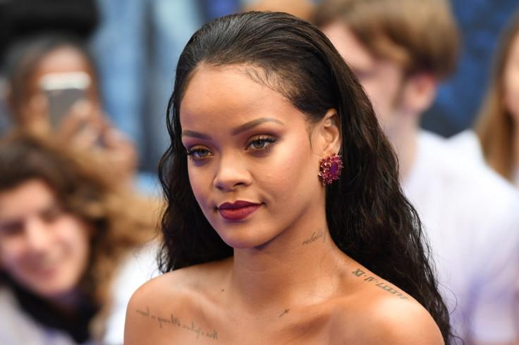 Rihanna shuts down fan who poked fun at her forehead