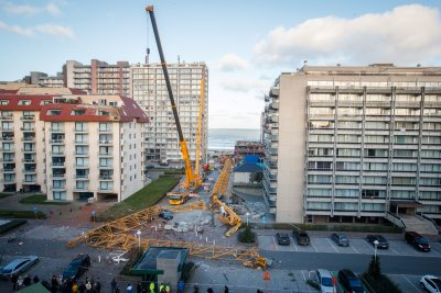 Fallen crane in Nieuwpoort