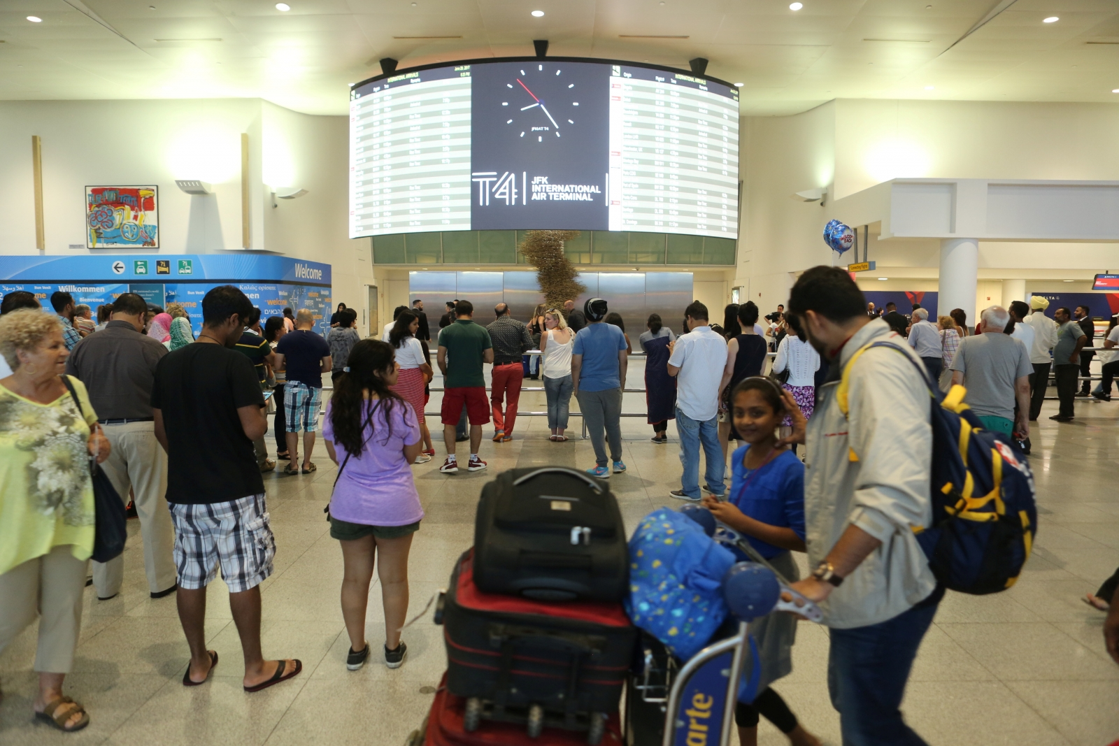 Customs processing outage delays global travel