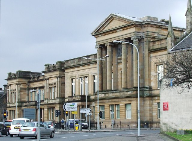 A champion boxer faces attacked a Navy man with a bottle in a brutal nightclub attack, Paisley Sheriff Court heard