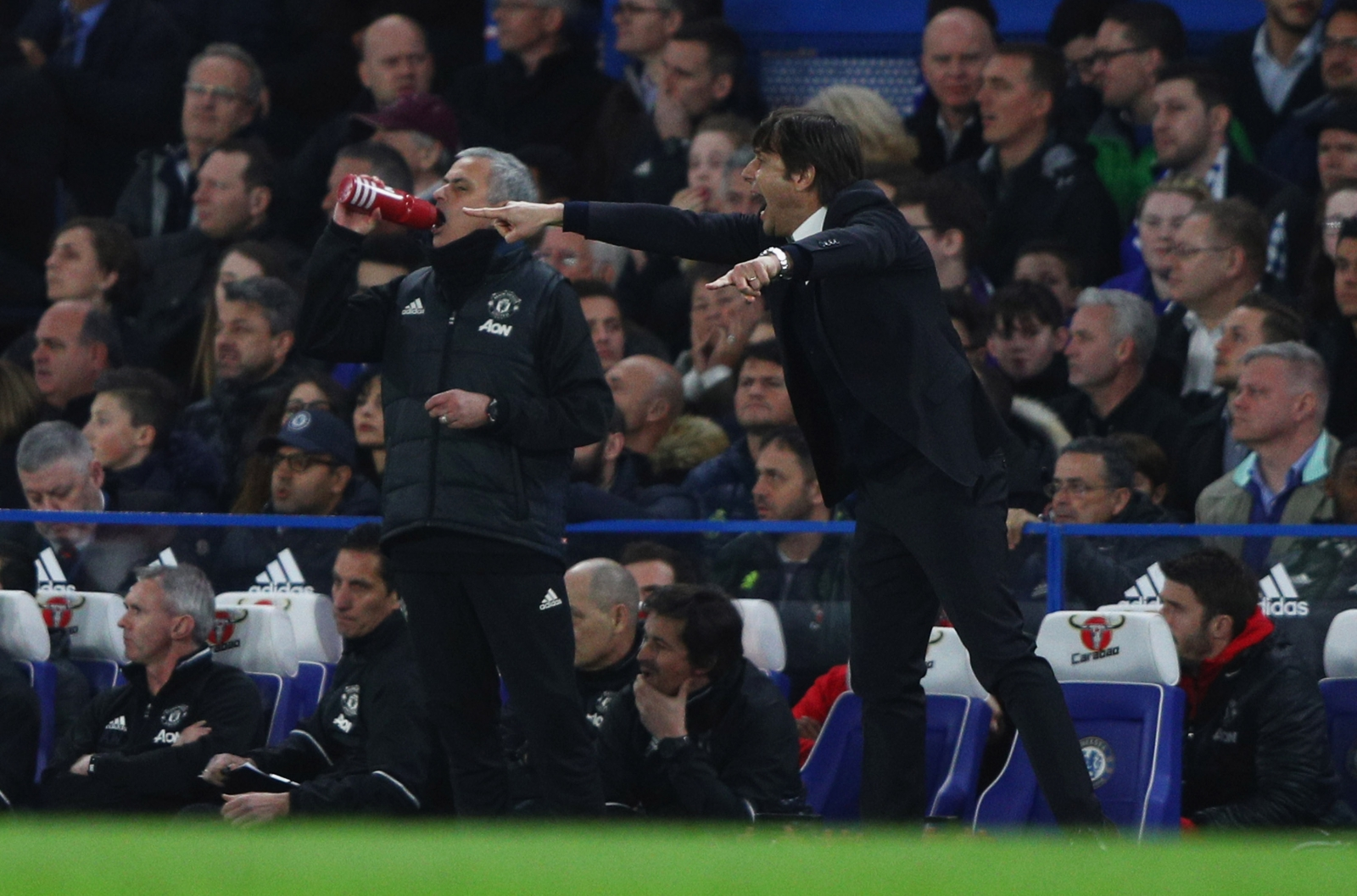 Antonio Conte goes on the attack against 'senile' José Mourinho