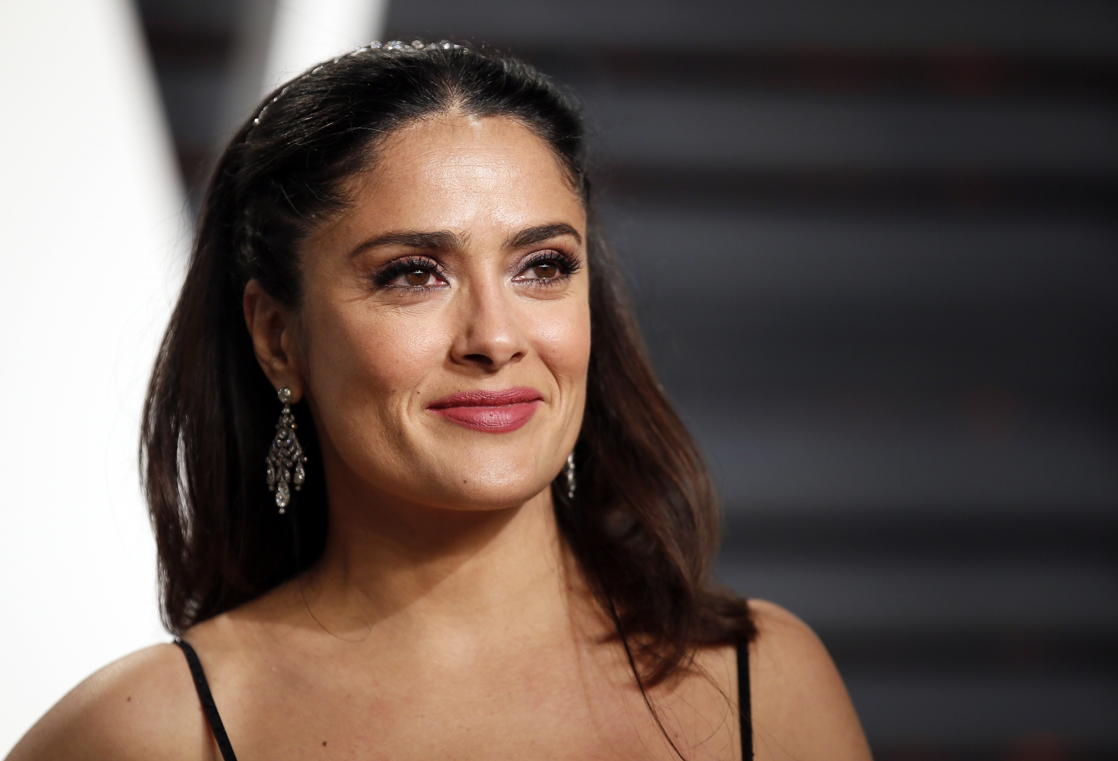Stunning Salma Hayek Flaunts Curves In Sexy Bare-Backed -2968