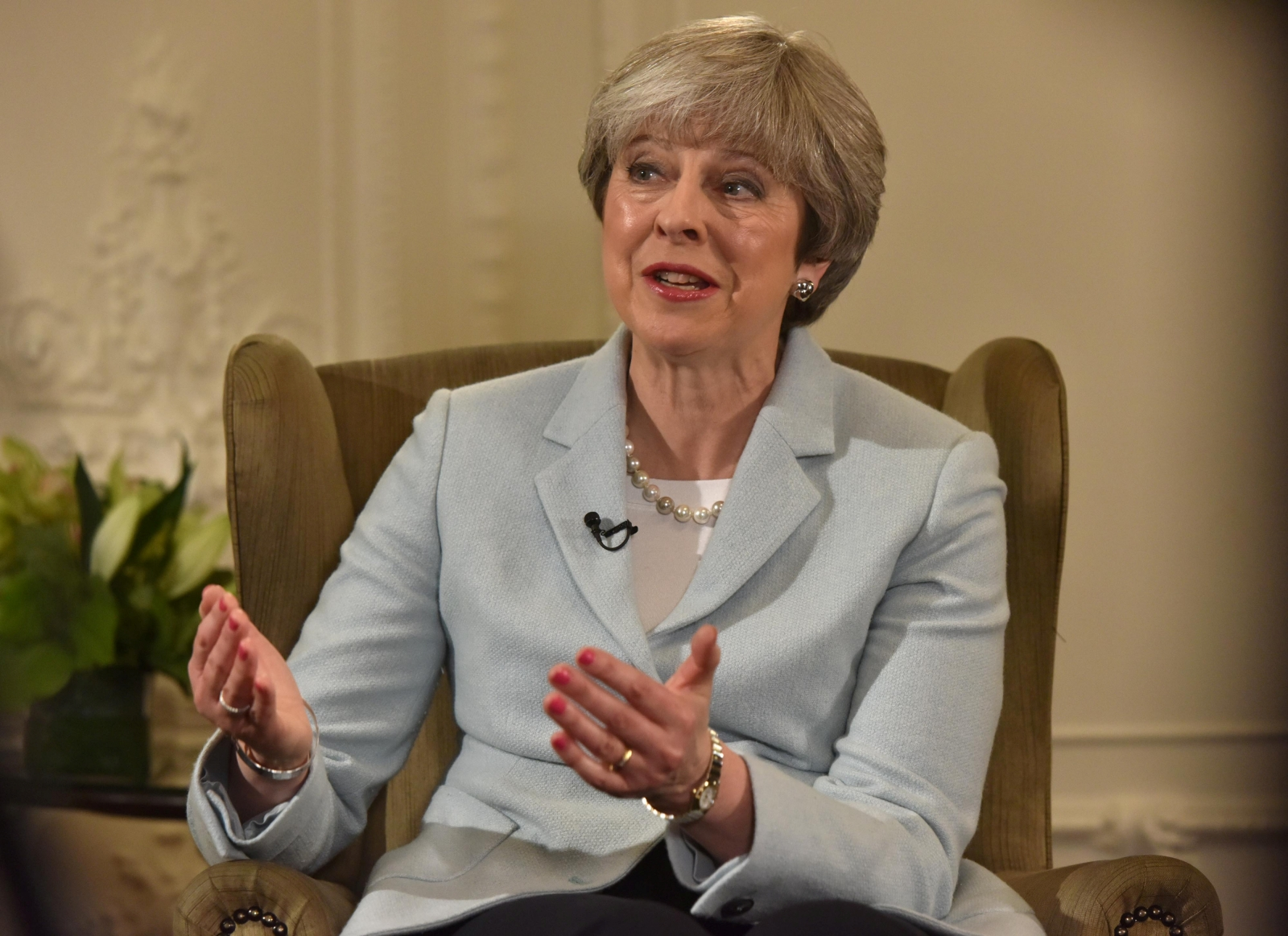 Theresa May confirms cabinet reshuffle will take place