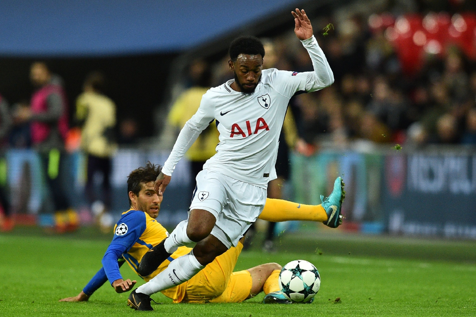 Georges-Kevin Nkoudou: Burnley sign Tottenham winger on loan