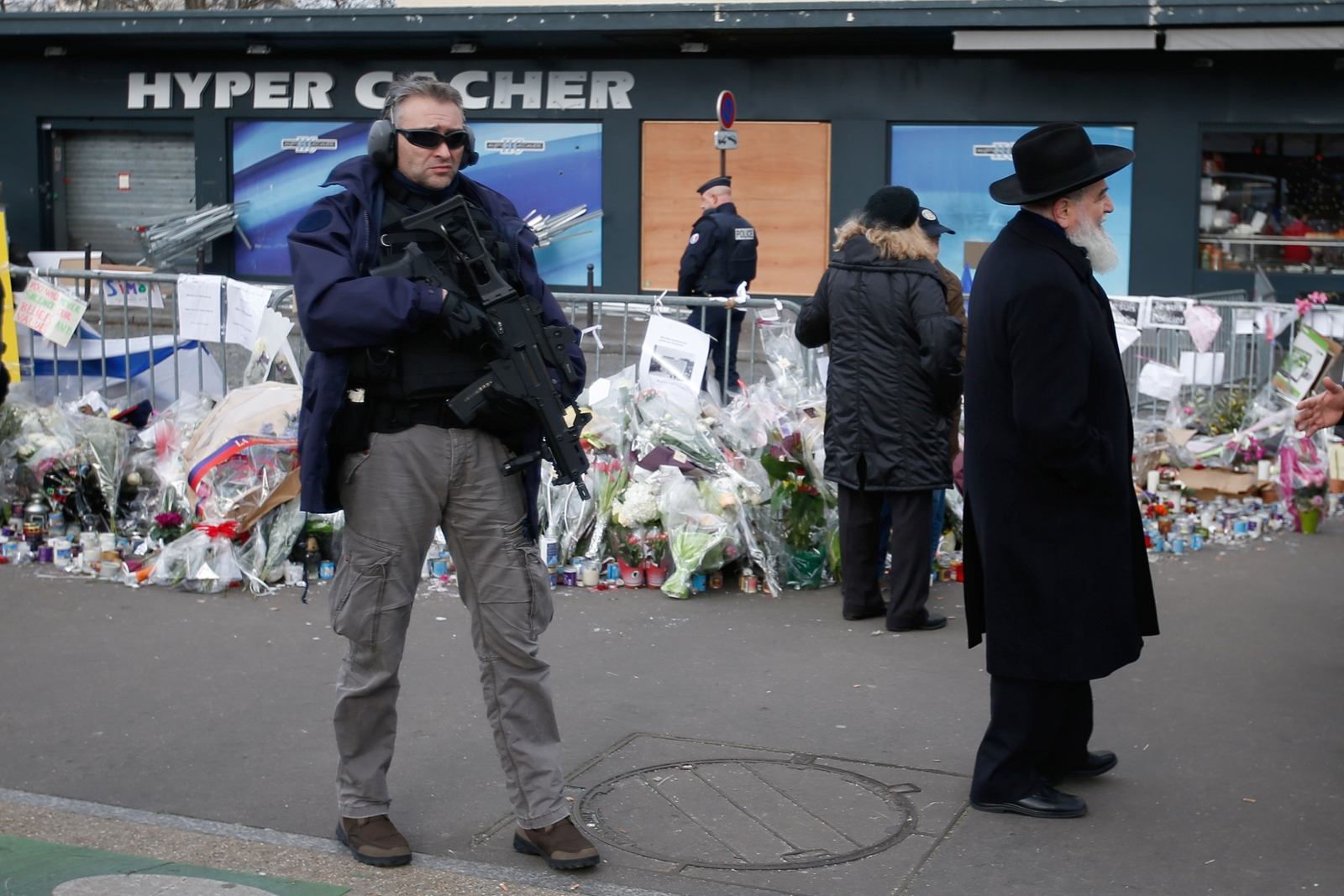 Paris: Anti-Semitic vandals torch kosher market