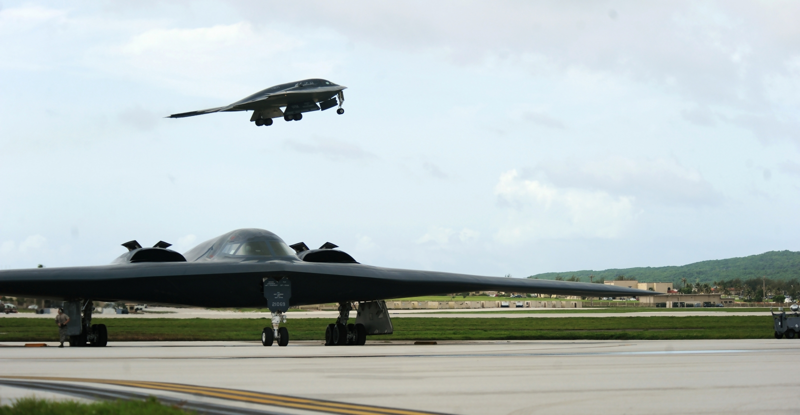 U.S.  deploys B-2 Spirit stealth bombers, 200 airmen to Guam