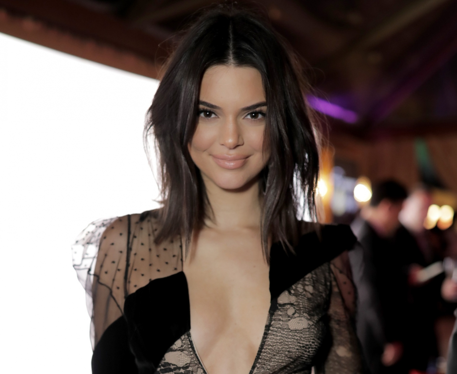 Kendall Jenner Goes Nude Under Her Raincoat For Harper's Bazaar