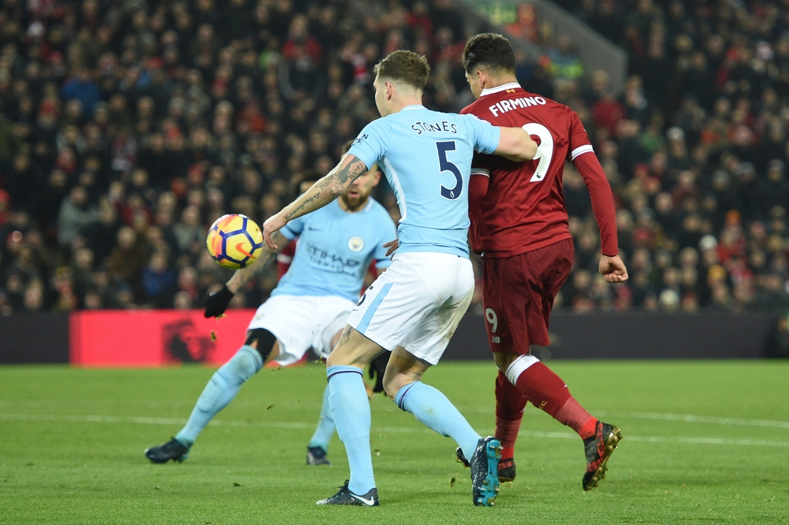 Liverpool Beats Manchester City, Dealing Blow to Its Invincible Aura