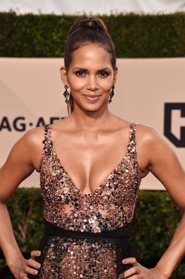 Halle Berry Sparks Meltdown As She Flaunts Her Favourite -1422