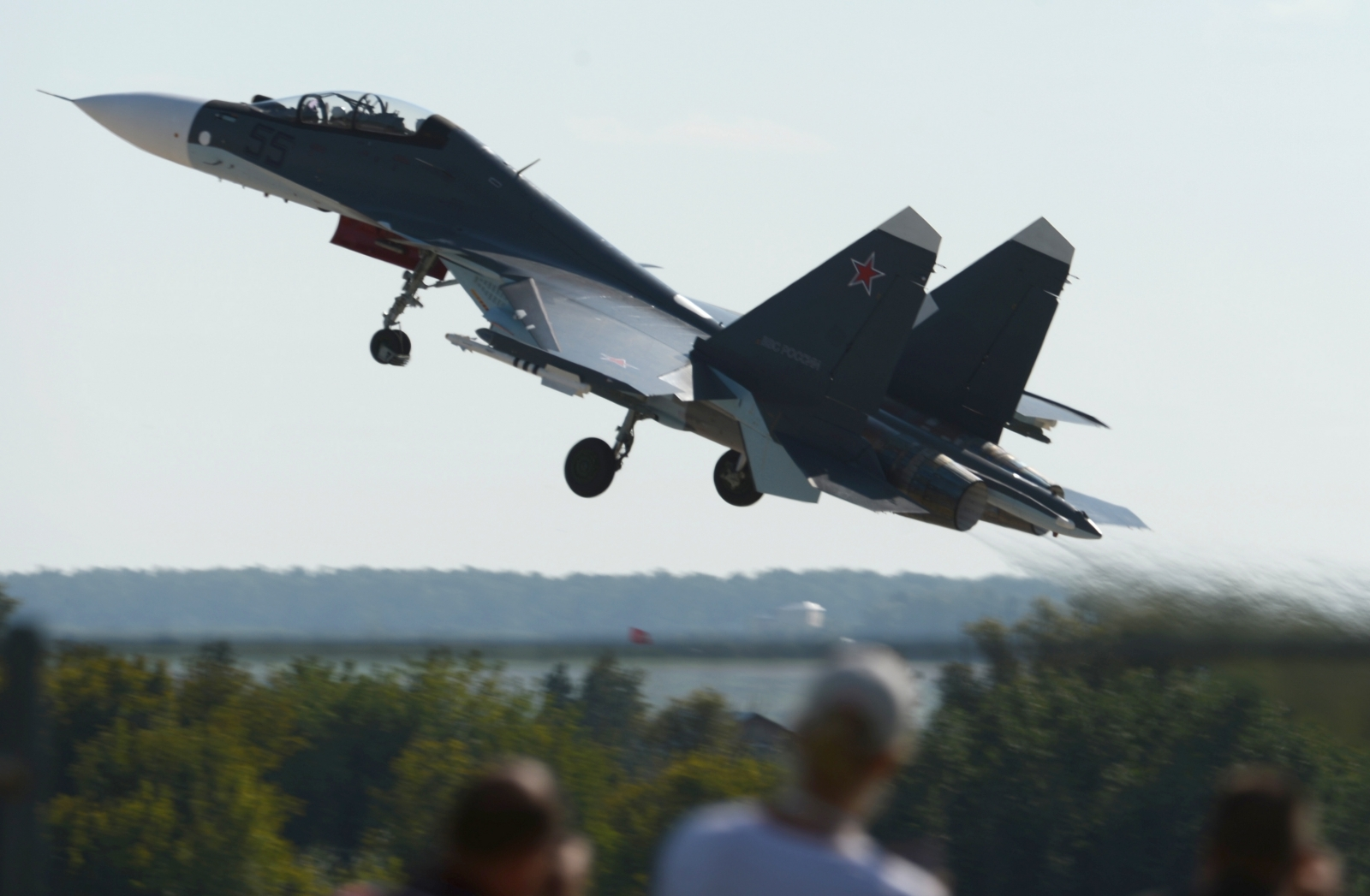 Watch: Russia's Sukhoi jets perform astounding touch-and ...