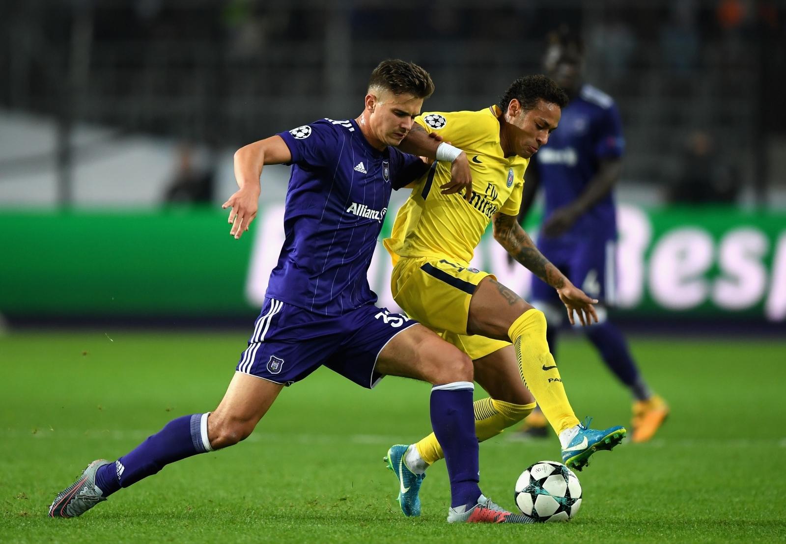 Leander Dendoncker and Neymar
